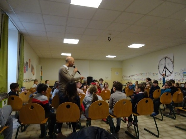 Joseph raconté à l'école Saint-Joseph de Balbigny (42)